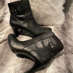 Like New Anne Klein Black leather booties Size 9
